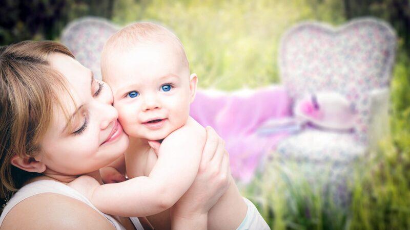 Idealny makijaż dla młodej mamy